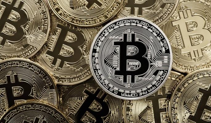 Криптовалюты начали неделю в…