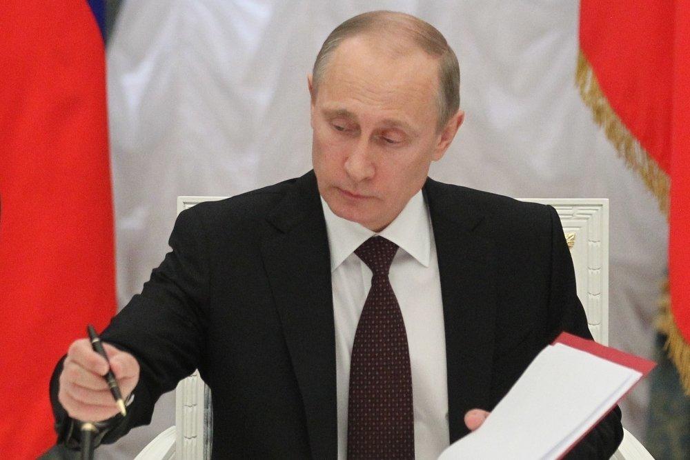"""Владимир Путин передал ОАК """"Ростеху"""""""