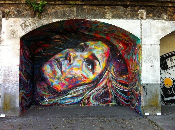 Рисунок Дэвида Уокера на фестивале Искусства, Обервилье, Франция.