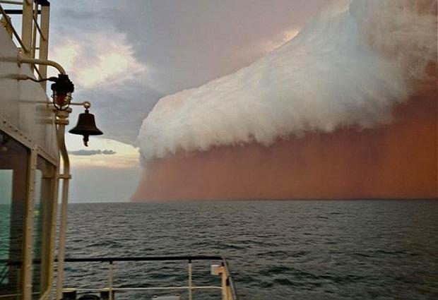 Небывалая жара и песчаные бури в Австралии