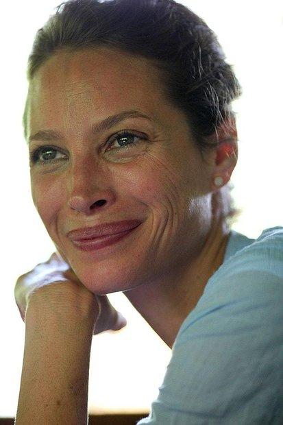 Как научиться красиво стареть? Урок от модели Кристи Тарлингтон