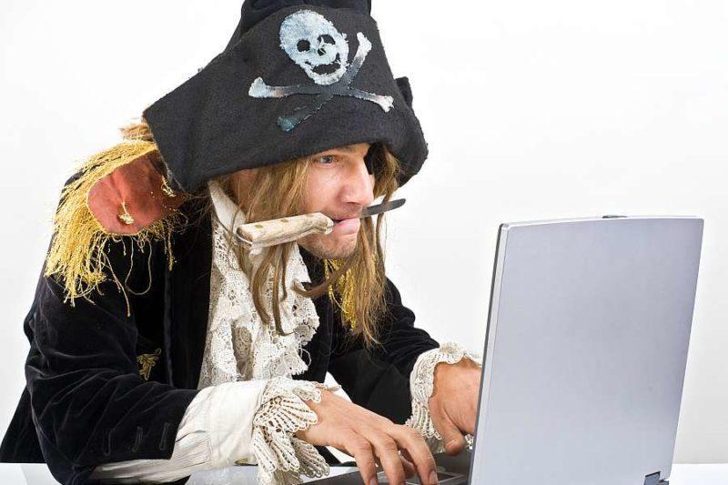Эксперты подсчитали, сколько зарабатывают пиратские сайты