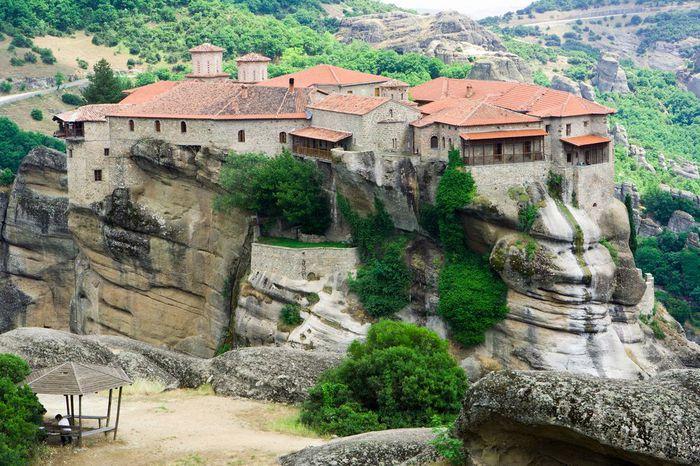 Фото Монастыри Метеоры, Греция. 09 (700x466, 105Kb)