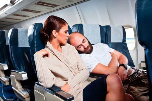 16 способов отлично поспать в самолете и выйти из него отдохнувшим