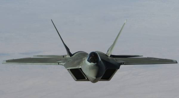 Готовьте денежный станок: в США анонсировали гибрид двух самых дорогих истребителей в истории авиации