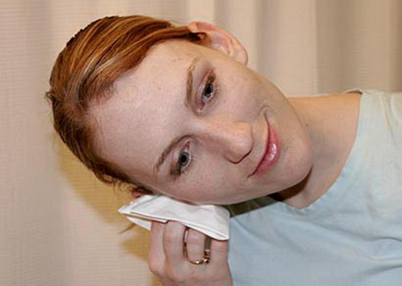 Узнав это, вы перестанете чистить уши ватными палочками - ФОТО