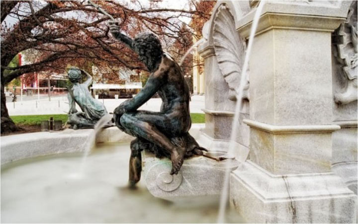 Фонтан Леопольда в Иннсбруке достопримечательности, желания, мир