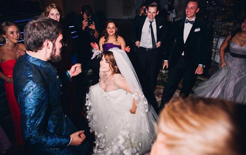 После свадьбы с мадсом