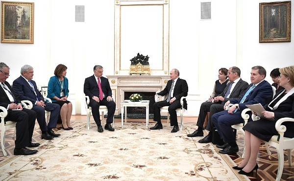 Путин: отношения России иВе…