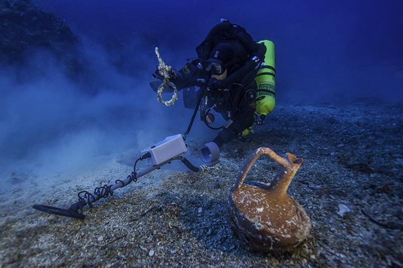 Археологи сообщают о новых потрясающих находках на месте Антикитерского кораблекрушения