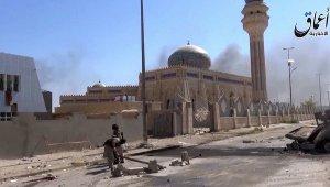"""США эвакуируют из Ирака лидеров """"Исламского государства"""""""