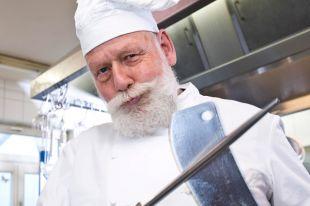 Должен ли повар носить набородник?