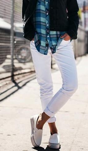Важный вопрос - что носить с белыми джинсами, чтобы создать красивый летний образ?