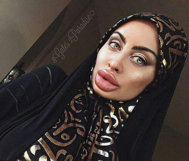 Красавица из Афганистана шокирует Интернет своим видом