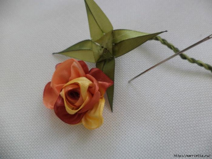 Миниатюрные цветы из ленточек. Мастер-классы (22) (700x525, 214Kb)