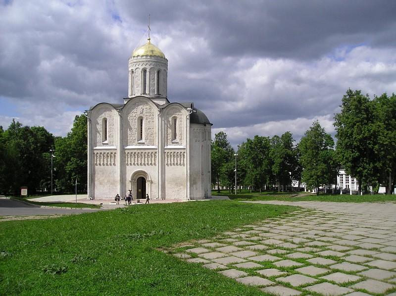 Дмитриевский Собор памятники, церкви
