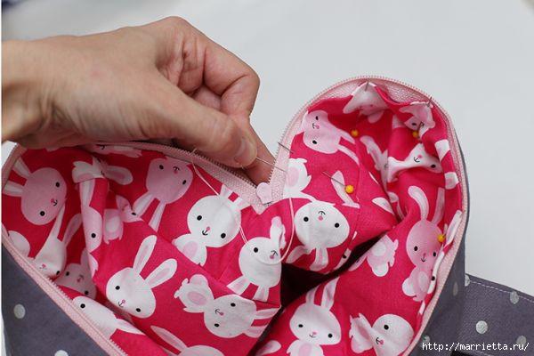 Рюкзачок с ушками кролика для маленькой девочки (20) (600x400, 117Kb)