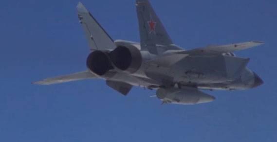 """Испытания """"Кинжала"""". Впечатляющие кадры с МиГ-31 и Ту-22М3"""