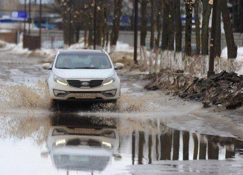 Чиновников предлагают сажать за плохие дороги