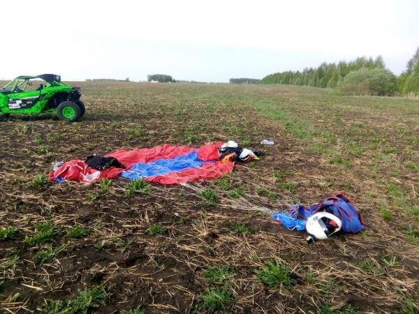 ВТатарии вовремя прыжка погибли два опытных парашютиста