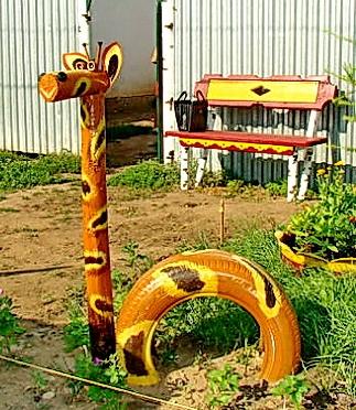 Жираф своими руками для сада 28