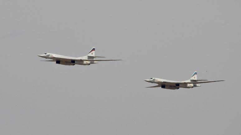 «Они реально из музея»: американский посол поделился мнением о прибывших в Венесуэлу российских самолётах