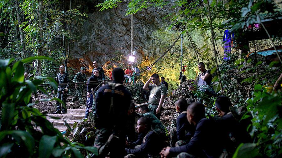 Уникальная спасательная операция завершена! Из затопленной пещеры получилось спасти всех детей и их тренера!