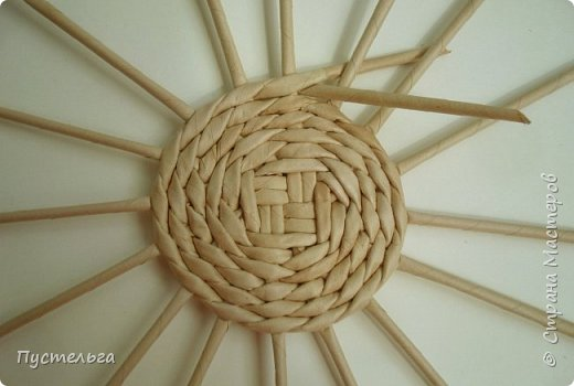 Кукольная жизнь Плетение Кресло Трубочки бумажные фото 2