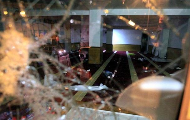 """""""Никогда мы не будем братьями.."""":Корсиканцы разгромили мусульманский молельный дом"""