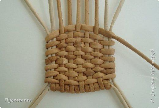 Кукольная жизнь Мастер-класс Плетение Стульчик Трубочки бумажные фото 7