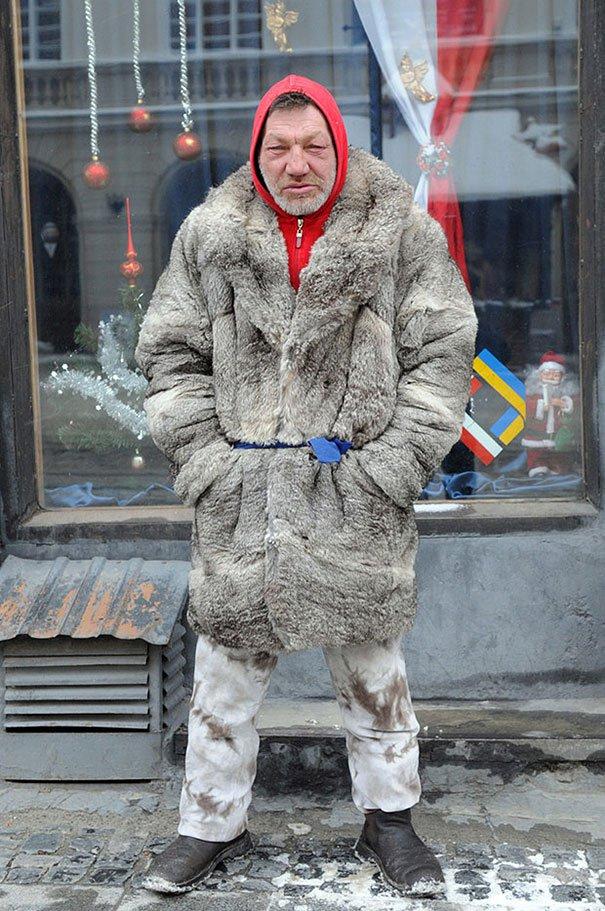 55 летний львовский бомж самый модный бездомный в мире