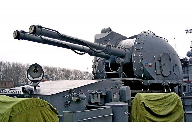 Корабельная артиллерийская установка АК-130. Инфографика