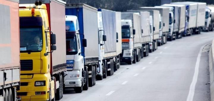 Многоходовка Путина с грузовиками