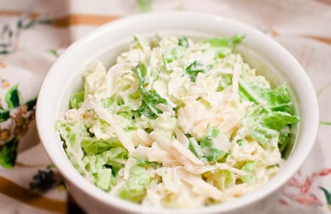 Салат из пекинской капусты может занять главное место на вашем праздничном столе