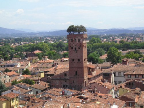 Торре Гуиниджи: башня, на ве…