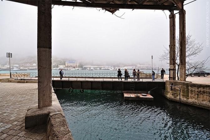 Подземная база подводных лодок