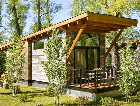 Домик площадью всего 37 кв. метров: жилье со всеми удобствами, которое можно взять с собой в отпуск
