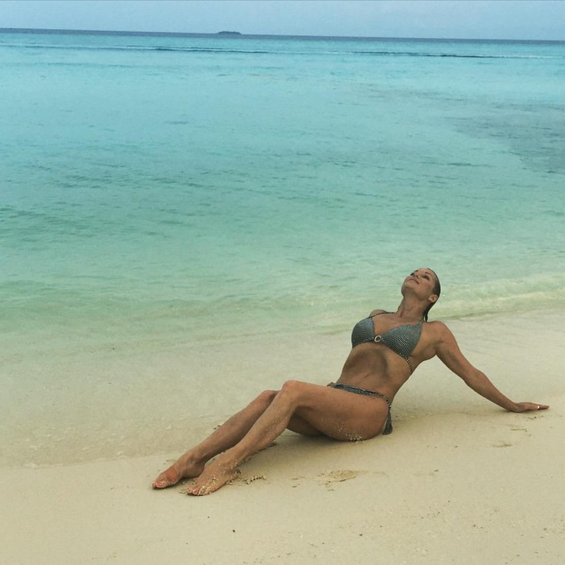 волнуйся, она и этих звезд называют эталоном красоты голая правда прямо с пляжа материалы, которые