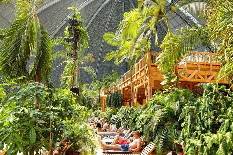 Тропические острова под куполом старого ангара, Германия