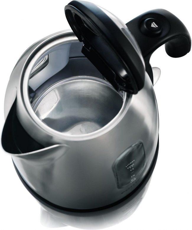 Чистый чайник без накипи внутри