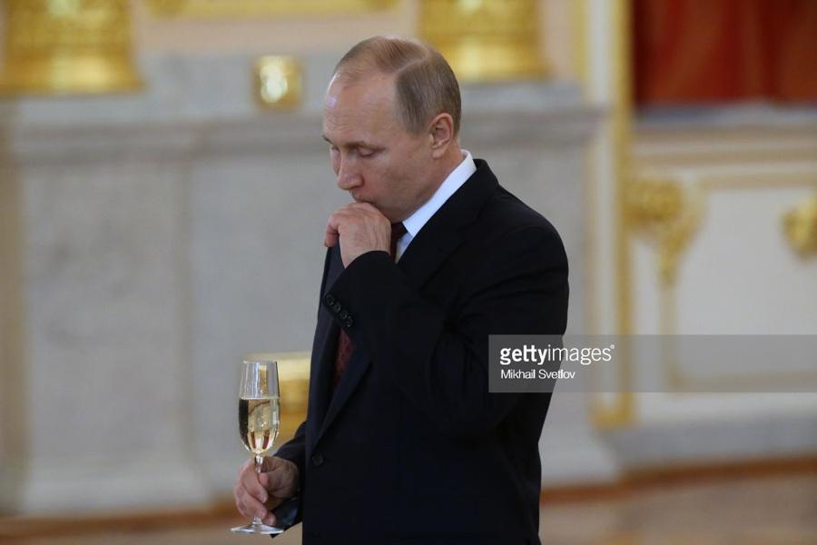 О том, как Путин бережёт и с…