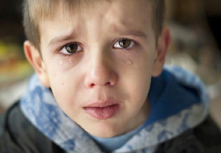 Была потрясена, когда узнала причину травли сына в школе...