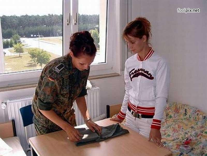 Девушки на службе в армии фото 17