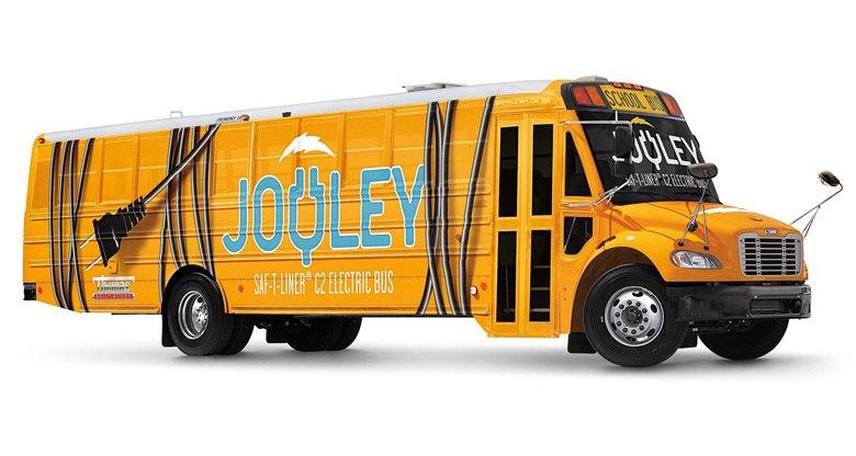 Школьный электробус Daimler Jouley пробегает без подзарядки 160 км