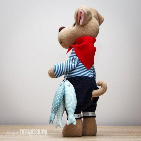 Выкройка для шитья мягкой игрушки в виде песика сшитого из флиса