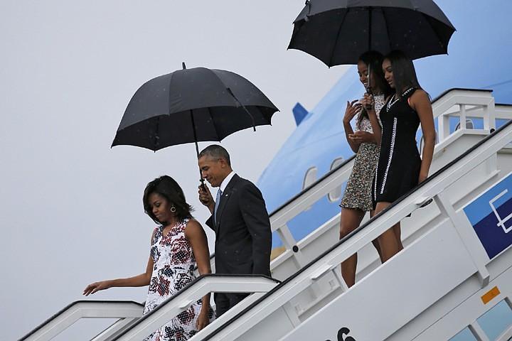Обама прилетел на Кубу с «историческим визитом»