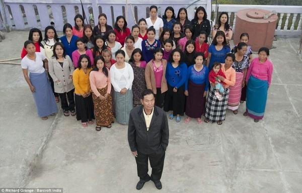 Самая большая в мире семья (32 фото)