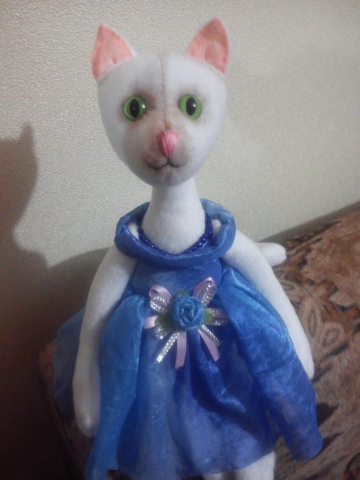 Кошка балерина. Моя работа.