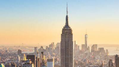 Беспилотник врезался в Empire State Building в Нью-Йорке