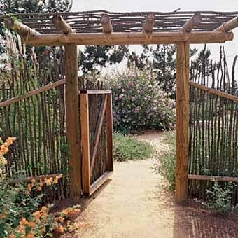 садовая калитка из прутьев